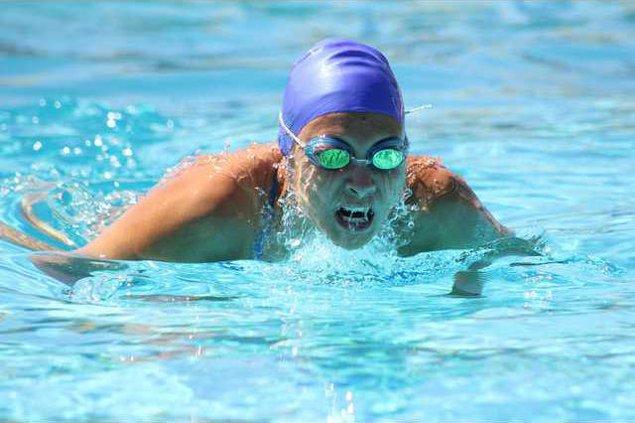 Girls Swim 1