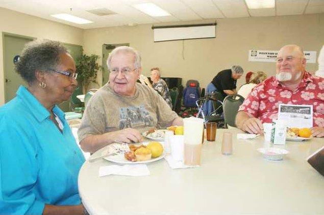 senior meals pic1