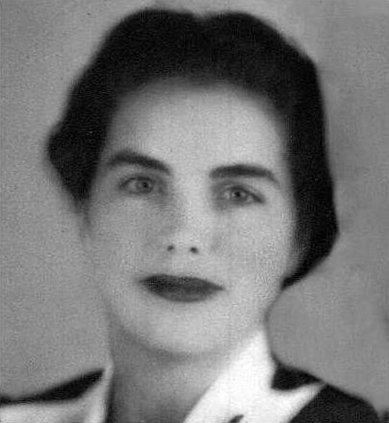 Dorothy Estelle Harris  bw
