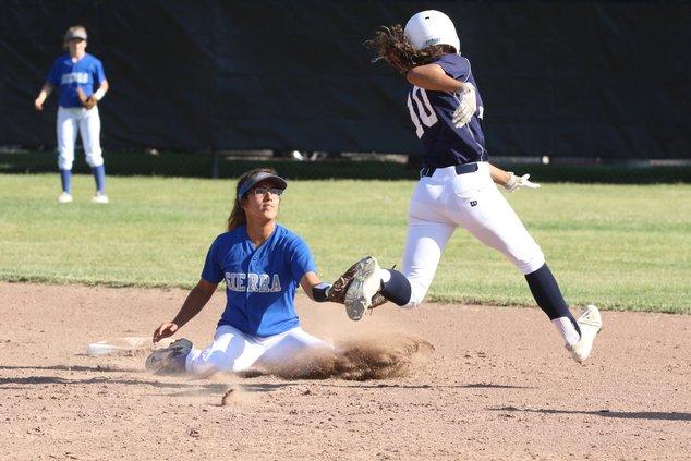 Sierra bounces back from errors for semi-final win