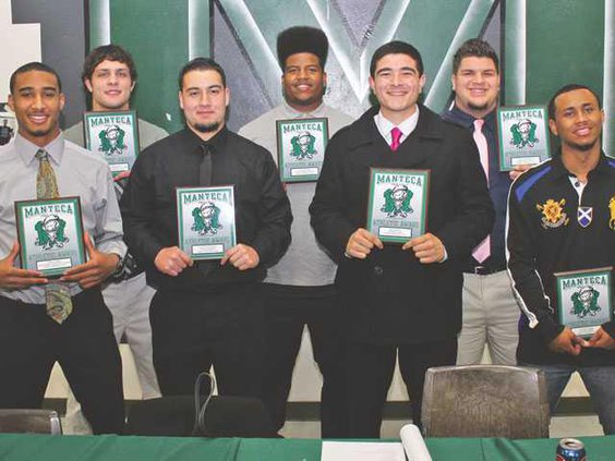 MHS-football-awards-LT