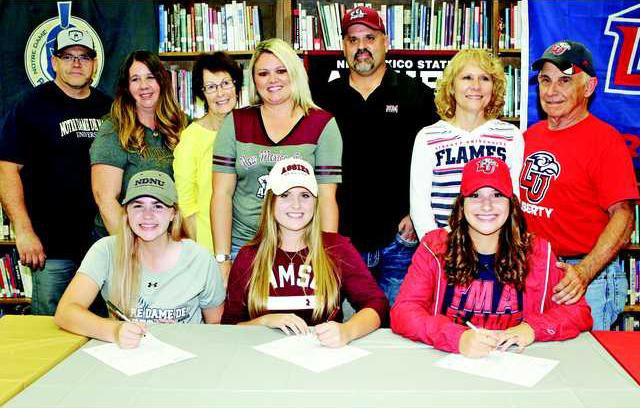 SB--East Union signings pic