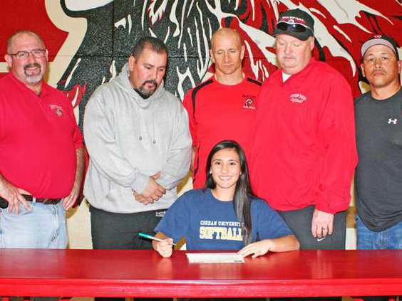 SOFTBALL - Chacon Signing1 for 2-1