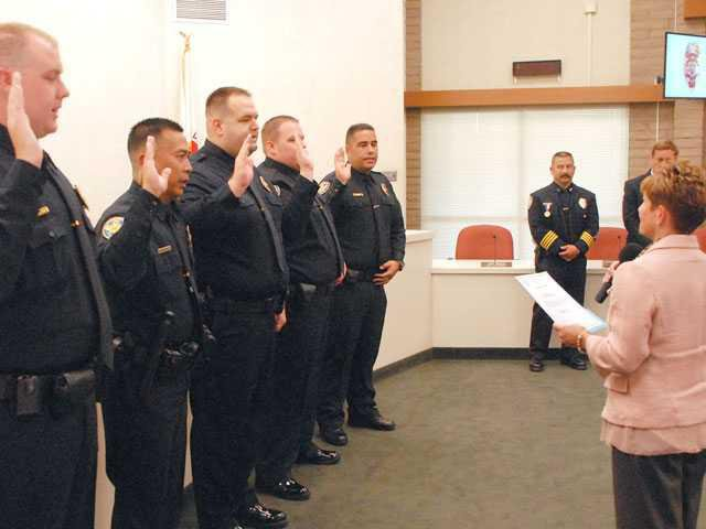 Manteca Police swears in 5 new officers - Manteca Bulletin