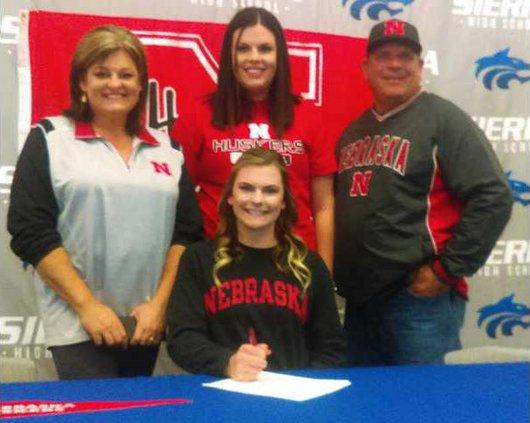 SB--Lindsey Walljasper signs pic