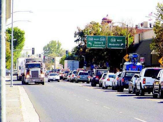 0925 Oakdale Traffic