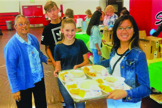 275 seniors break bread together