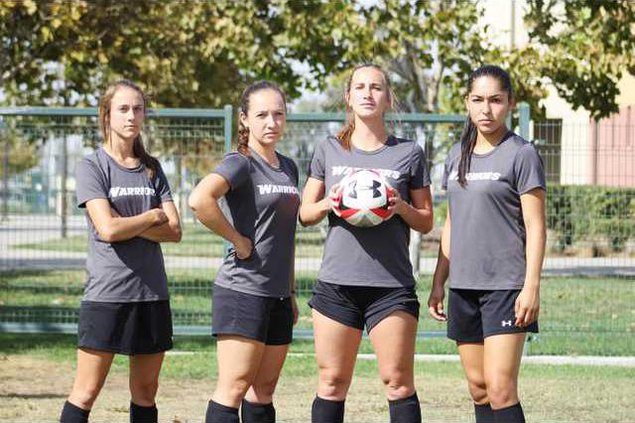 CSUS Womens soccer TEAM PIC