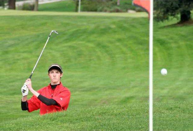 3-23 OAK Golf1