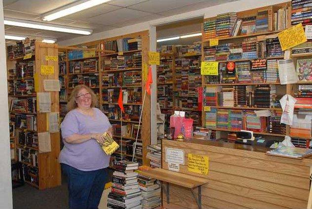 Books on MainDSC 9699