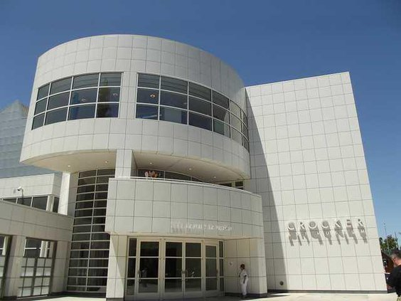 1200px-Crocker Museum in Sacramento Ca.