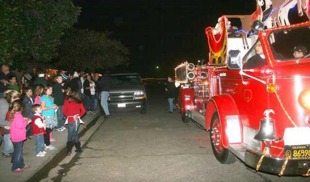 santa firetruck pic1