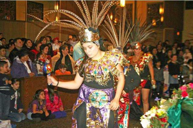 Aztec dancers pic1