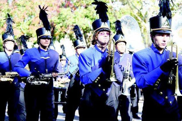 THS parade pic3