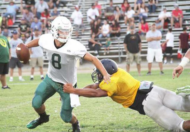 football scrimmage pic1