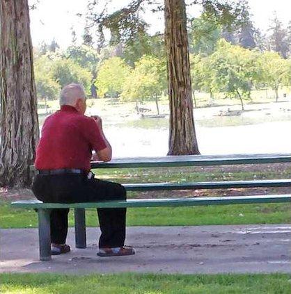 park smoking pic1