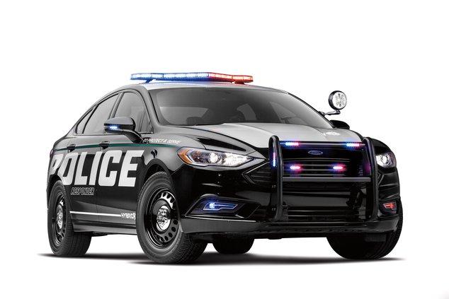 Police-Responder-Hybrid-Sedan-3.jpg
