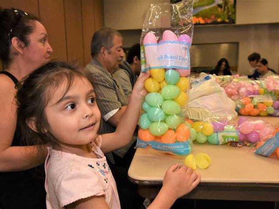 Kiwanis eggs DSC 2822 copy