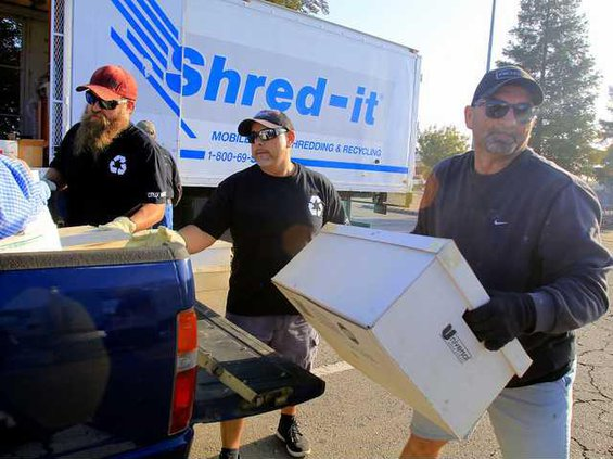 SHRED IT EVENT2 10-31-16