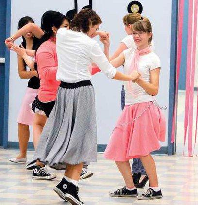 SHS-DINN-DANCE1-2-27-10