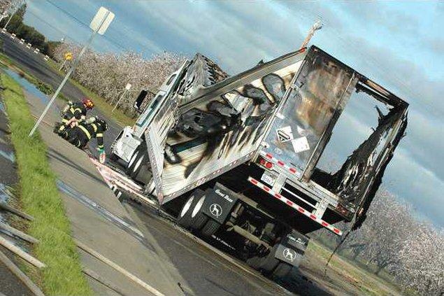 TruckFireDSC 5959
