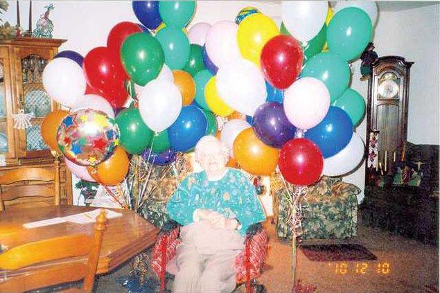 100-Balloons1