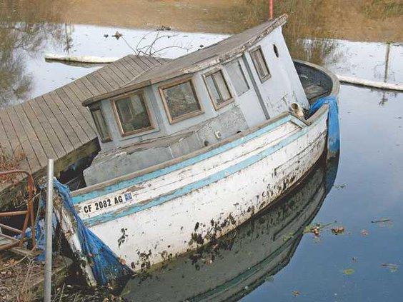 RIVER-sunken-boat-pic-1-LT