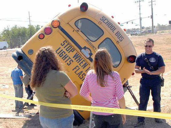 Bus-Crash-DSC 9878a
