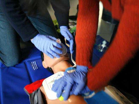 CPR training-04