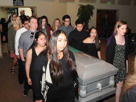 E 15 MHS funeral DSC 5020