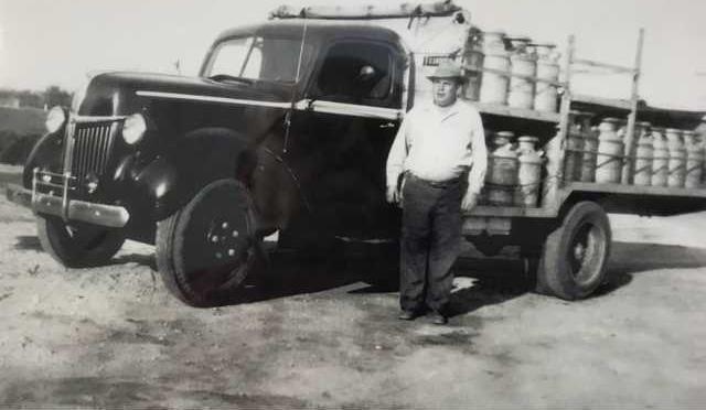 Nunes Grandpa truck IMG 2135