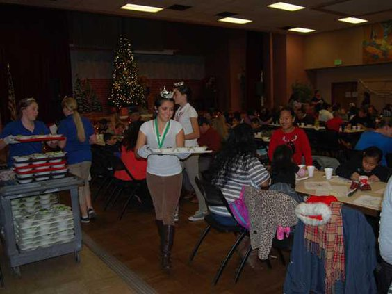 Pic 3  Manteca Youth From MYAC serving meals
