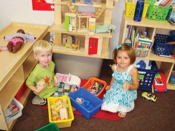 RIPON-preschool-Playing-house-LT