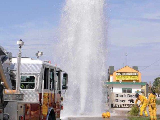 Hydrant crash DSC 4472 LT