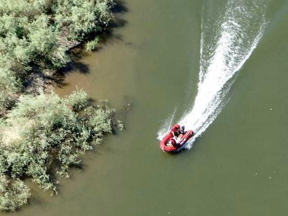 RIVER boat-safety-pic-1
