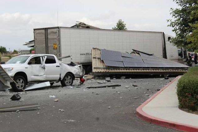 big rig crash pic 2