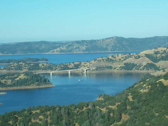 new-melones-lake-view-of-the-bridge