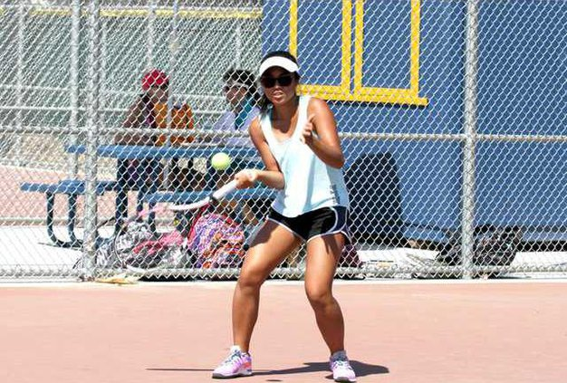 THS Tennis-CourtnieChan