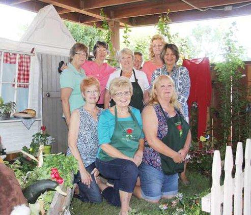 garden club at fair pic1