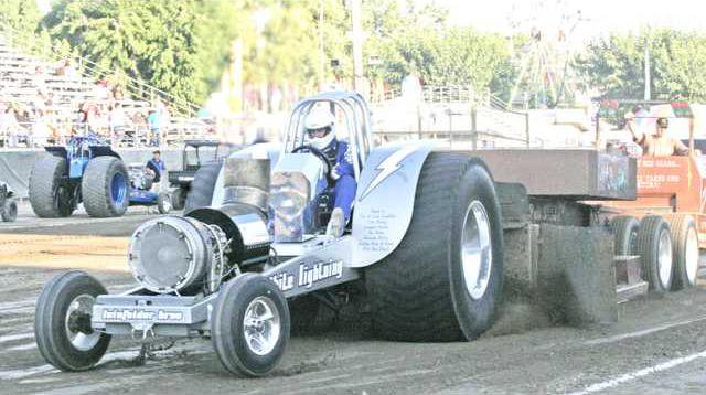 tractor pulls pic1