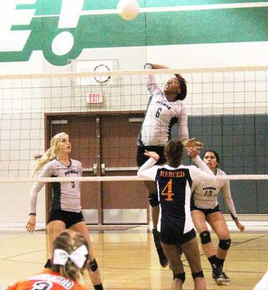 PHS volleyball pic1