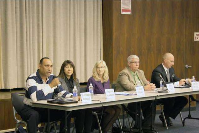 Candidate Forum pic2