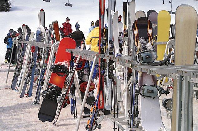 754-skiing.jpg