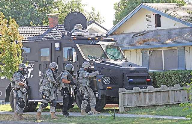 Bank-5-SWAT-Team