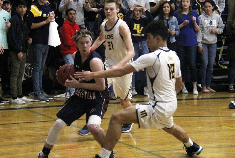 TC boys basketball pic4