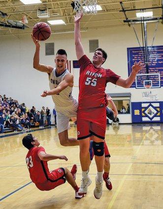 Bulletin boys basketball 2018-19