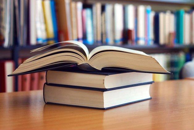 books_library_desk-1502932722-4024.jpg