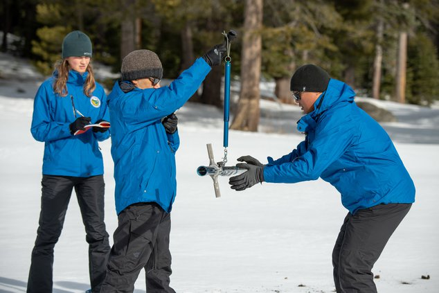snow pack survey pic1