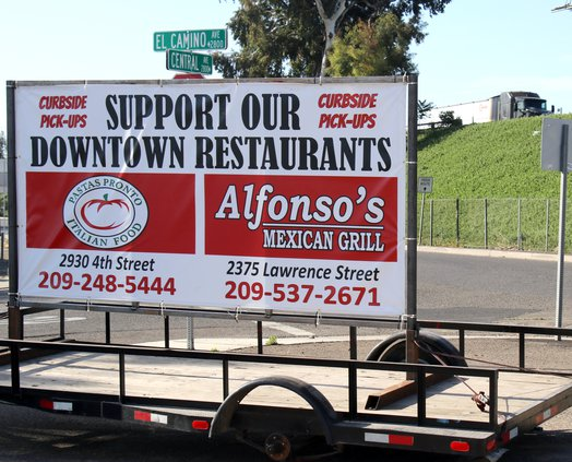 sign to restaurants