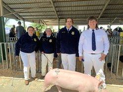 Ceres High FFA swine exhibitors